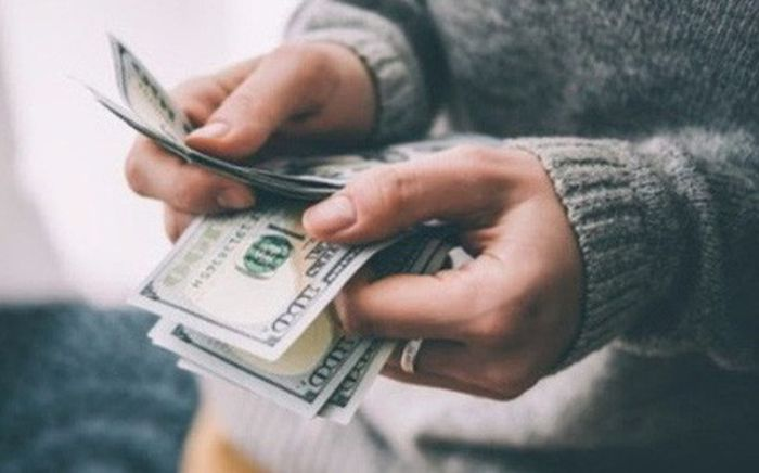 Mơ thấy được cho tiền