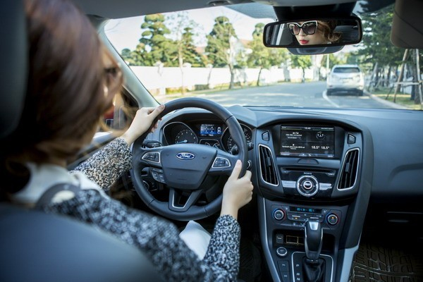 Nằm mơ thấy lái xe ô tô là điềm lành hay dữ? Đánh số mấy?