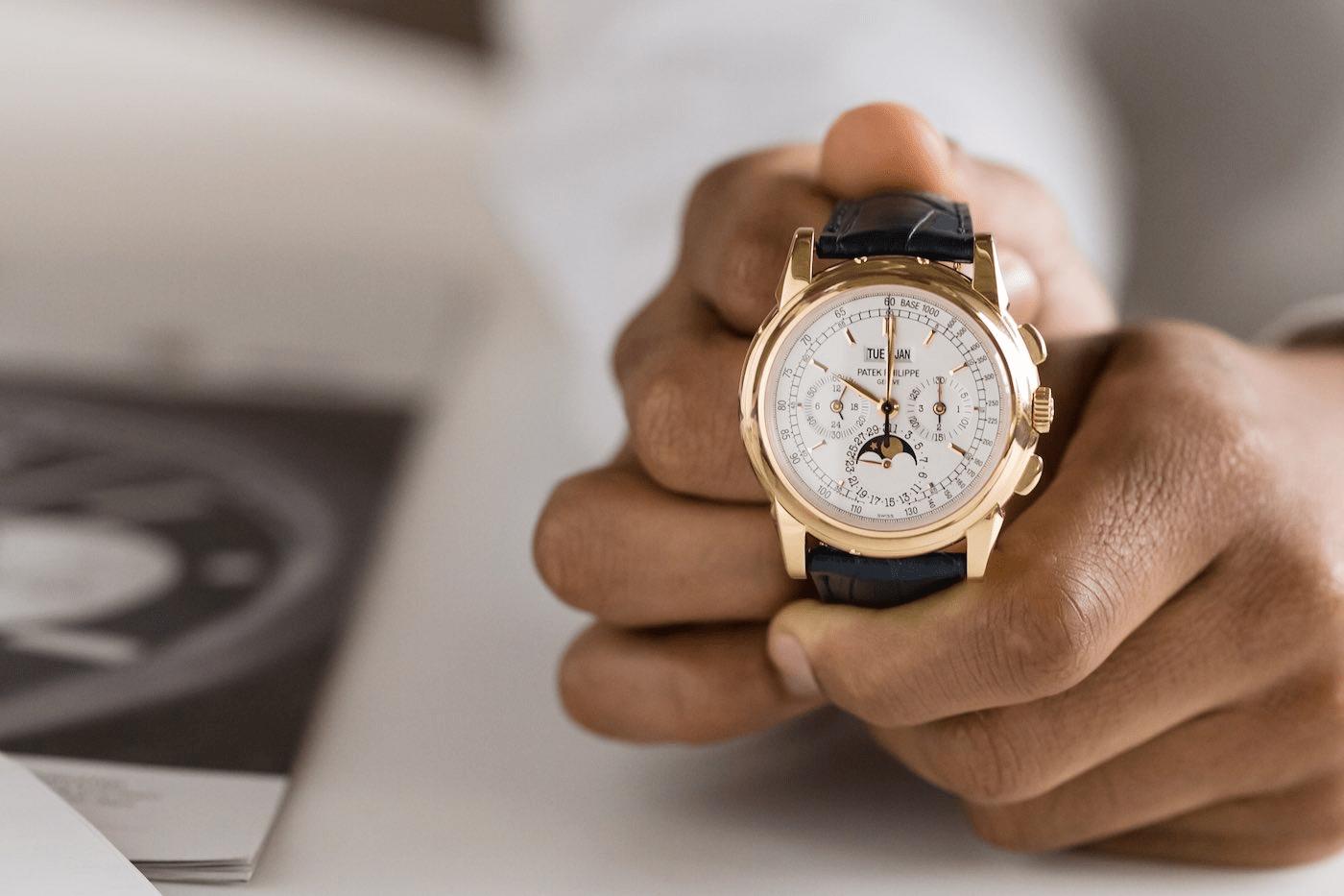Nằm mơ thấy bán đồng hồ của bạn có ý nghĩa gì đặc biệt?